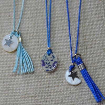 Colliers enfant nacre lune ou étoile (9€ l'unité) ou résine liberty (11€ l'unité) sur fil de jade avec fermoir.