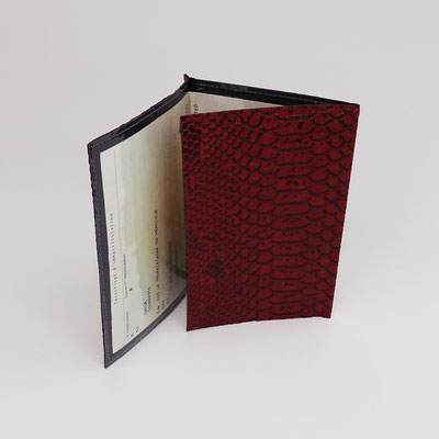 Etui carte-grise en simili dragon rouge - Artisanal