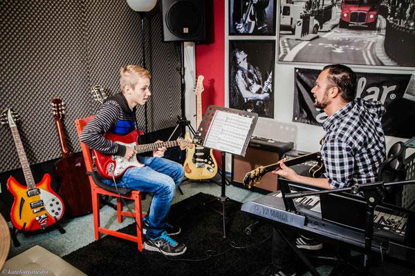 E-Gitarren Unterricht bei Guitarr Secrets