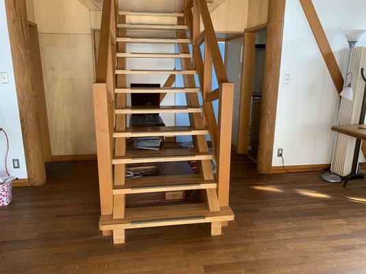 旧ぽすとかん 2階への階段