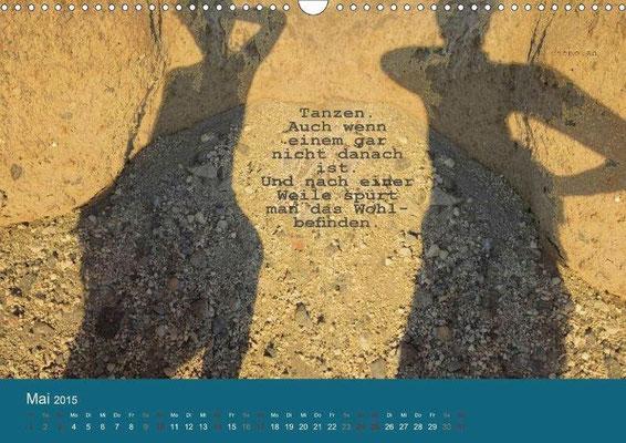 Kalenderblatt aus dem giftbuchKalender: Tanzen. Auch wenn einem gar nicht danach ist. Und nach einer Weile spürt man das Wohlbefinden.