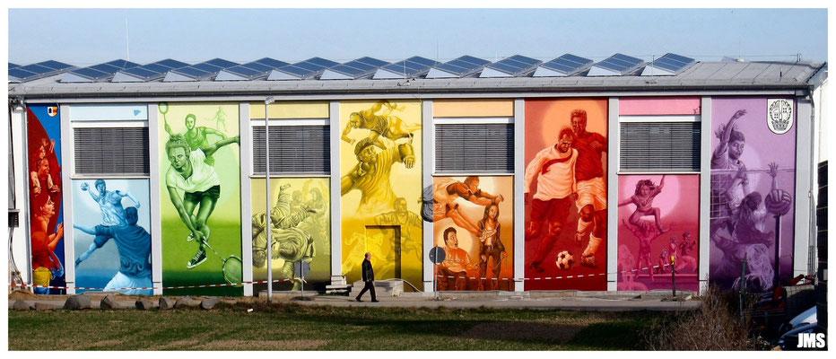 Westerbachhalle in Niederhöchstadt bei Tag