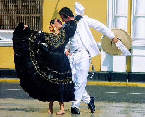 danse tranditionnelle péruvienne