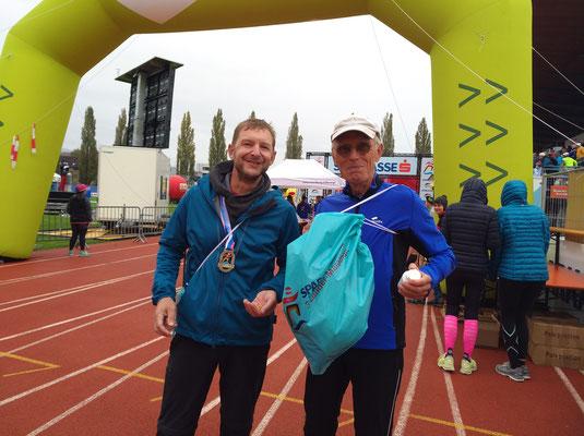 Die Marathonis Marc und Hans-Dieter...