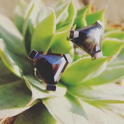 Ohrstecker in Weissgold 750 mit schwarzen Diamanten