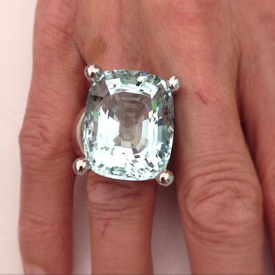 Ring in Weissgold mit Aquamarin