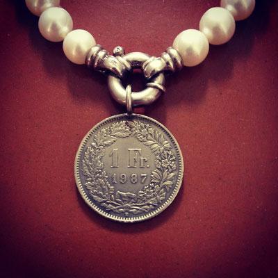 """Perlenkette mit Verschluss in Silber 925  und """"Stuz"""" Anhänger"""
