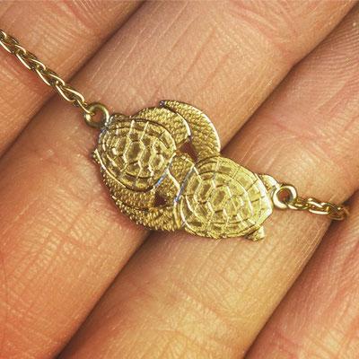 Kette in Gelbgold 750 mit Schildkröten Anhänger mit Handgravur