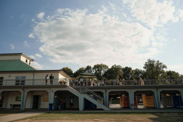 Das Volksbad wird von außen gezeigt. liebezumbild.com
