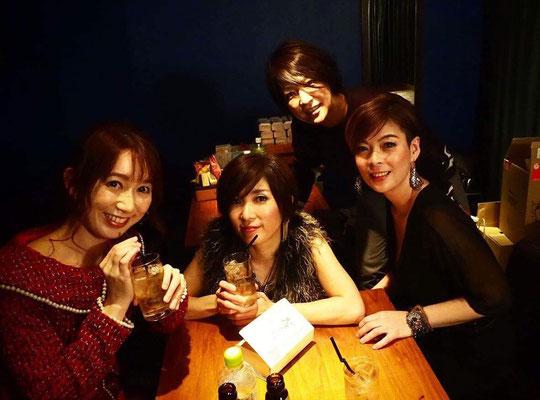終演後、keiko、裕、香、麻理子。もりもっちゃんが増えてるね!