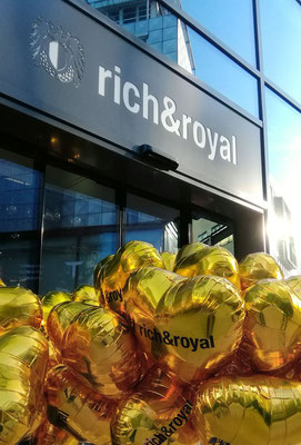 Rich & Royal Logo-Ballons Luftballon Lieferung Stuttgart Dorotheen-Quartier