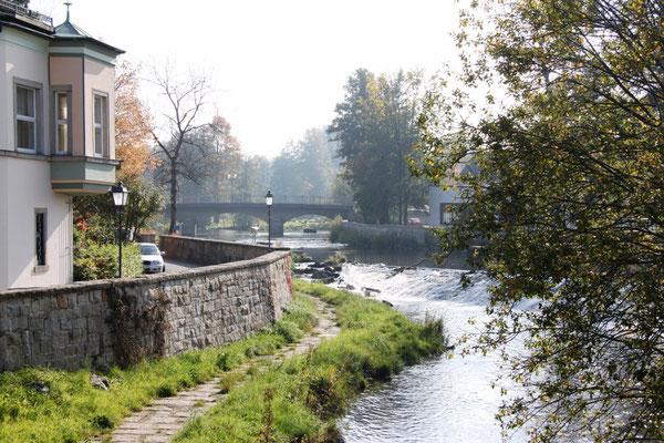 Blick zur Ludwigsbrücke Foto: Cepera