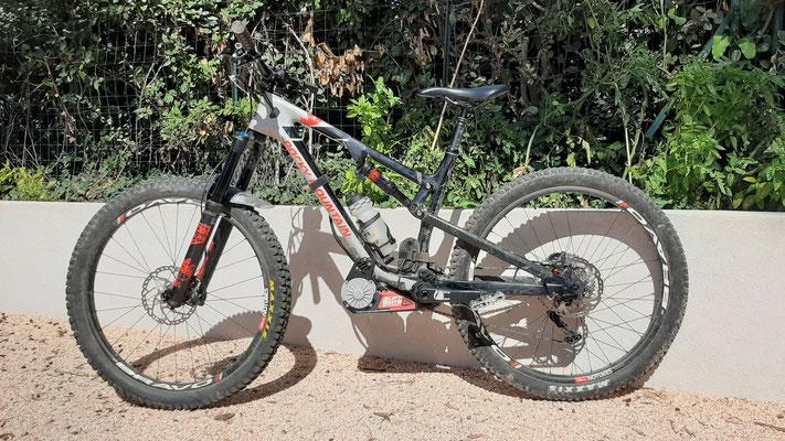 motor on bike carbon