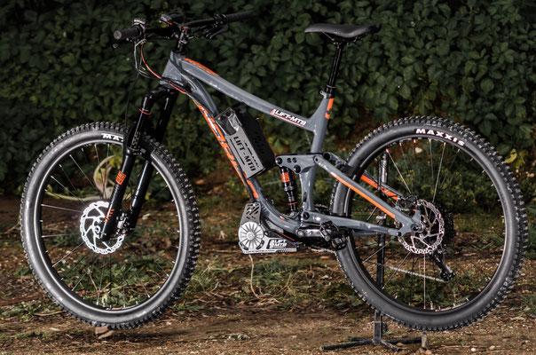 attacco batteria aggiuntivo mountain bike elettrica