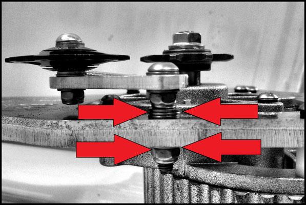 Alignement du tendeur grâce aux rondelles de centrage.