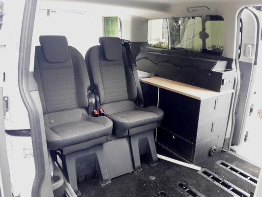 Sideboard auch in Alltagsnutzung (bis 7 Sitzplätze möglich)