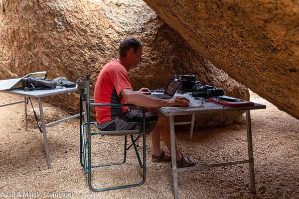 Höhlenbüro bei 40°