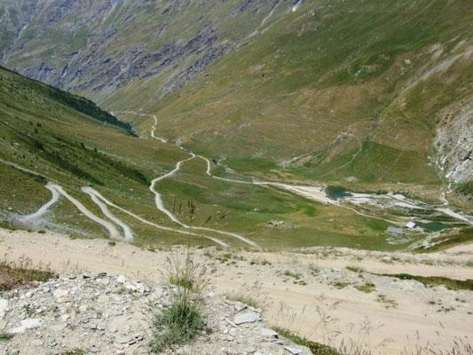 enge Serpentienen  zum Col de Sommelier