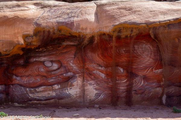 künstlerische Natur - bunte Felsen