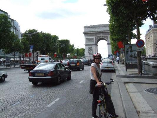 auch mit dem Rad lässt sich Paris gut erkunden