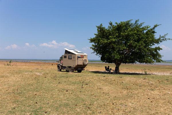 einsam (im Sinne von Tourismus) am Lake Kariba