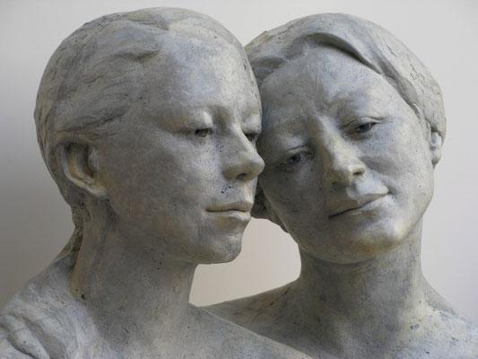 > Doppelkopf <  2009  ,  Maße:  43 / 65 / 30 cm