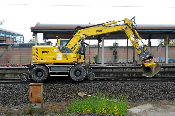Liebherr Zweiwegebagger 922 rail