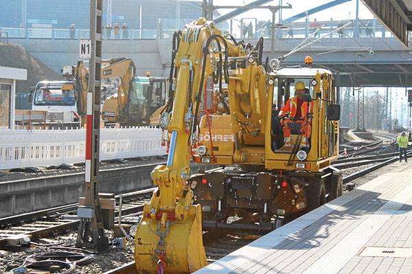 Bahnhof Weil am Rhein, Zweiwege Baggerfahrer