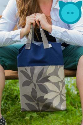 Tasche Uno dunkelblau, beige-braun | Fotograf: David Kastner