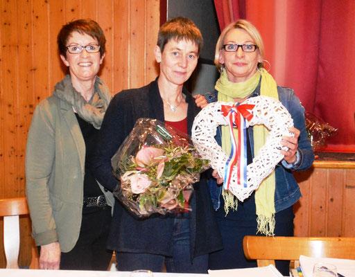 v.l. Ingrid Sattler, Petra Saxen - neue 2. Vorsitzende - und Anette Herrig