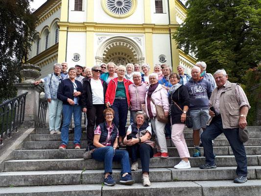 Unsere fröhliche Reisegruppe