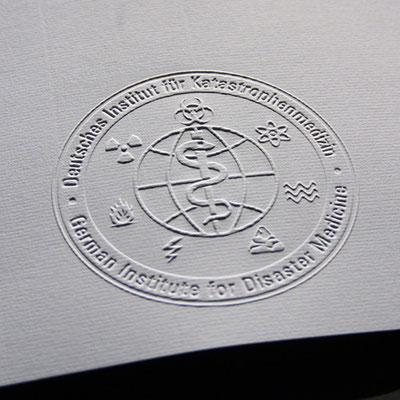 Blindprägung Zertifikat Kopierschutz