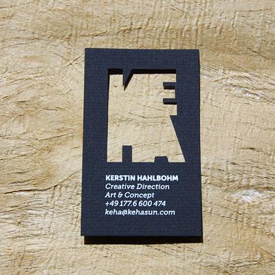 Visitenkarte Laserstanze für Schriftmotive.