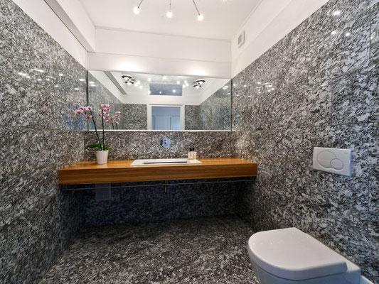 Marble Bath Room En-Suite