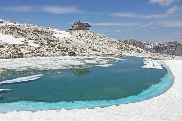 Pisciadù-Hütte und -See im Sella-Stock - Dolomiten - Südtirol