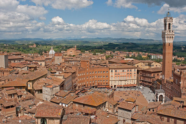 Siena (Blick vom Turm des Opern-Museums)