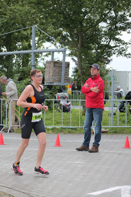 06.09.15 Xanten Triathlon Claudia Draxi Distanz