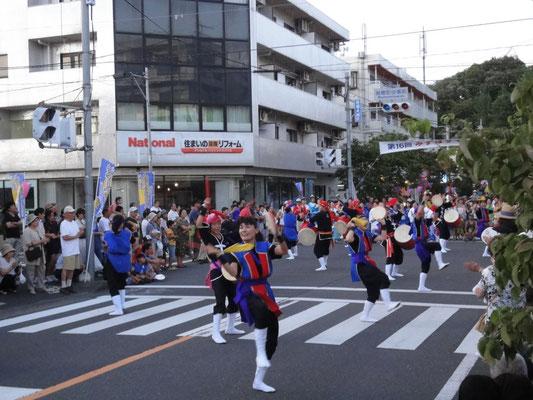 沖縄の踊り創作エイサー