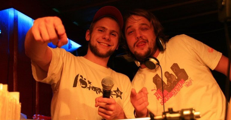 DJ Bademeister (dattinaiz) und MR. Luciano - AKA - HottaFire