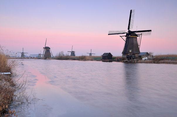Die Windmühlen von Kinderdijk im Winter