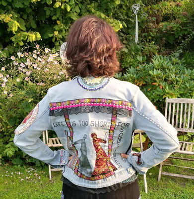 """Jeansjacke, """"life is too short for sometimes"""""""