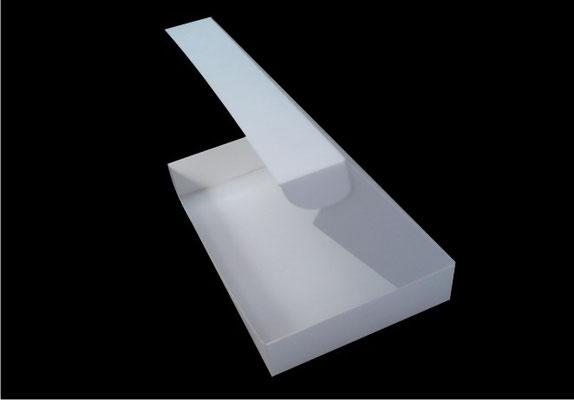 8.- Caja de doble pared.