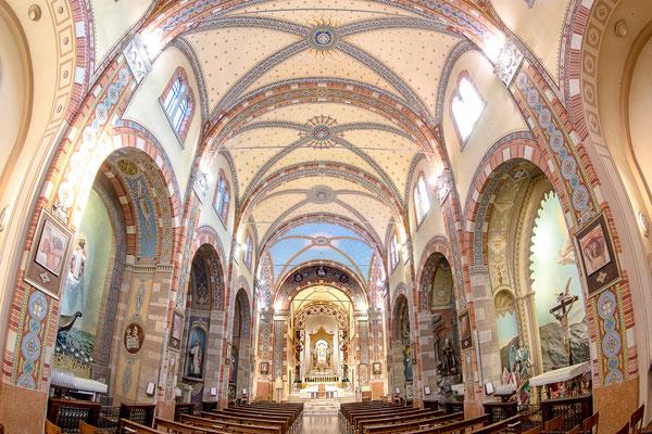 Interno del Santuario - navata principale
