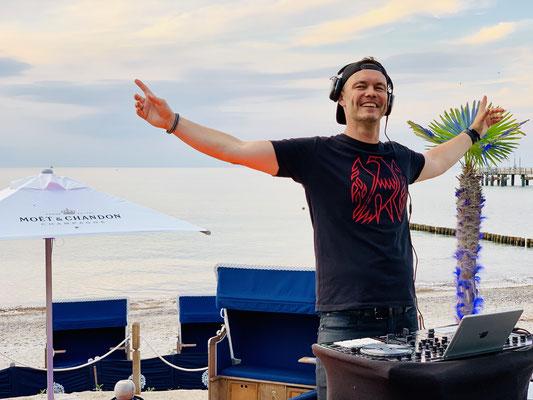 DJ Party und Liveband
