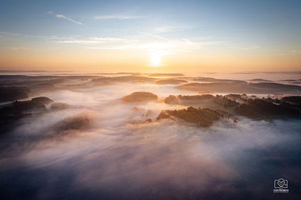 Nebelschwaden über der schwäbischen Alb