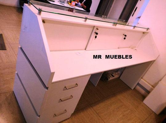 Mueble Recepción exhibidor Los Andes3