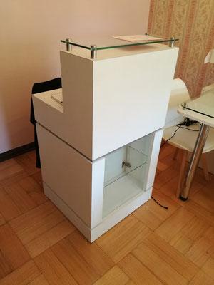 Mueble Recepción Caja exhibidor Herbert
