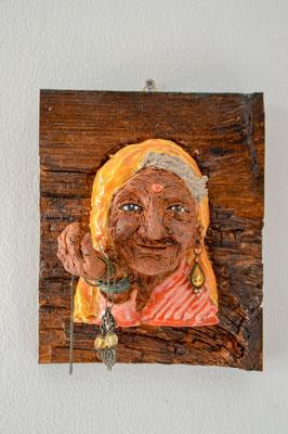 Keramiek op hout 16x19x8 (bxhxd)