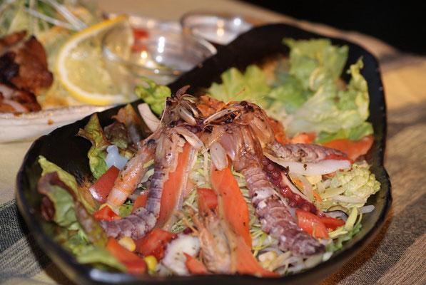 南知多の海鮮たっぷりの 海鮮パッチョ ¥980