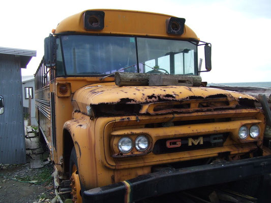 L.A.からオーナー自ら直輸入のスクールバスもあるよ!